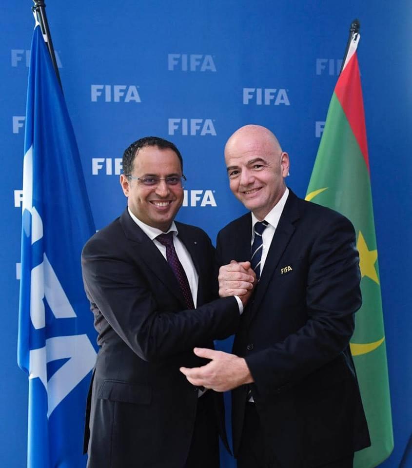 رئيس الاتحاد الموريتاني لكرة القدم أحمد ولد يحي و جياني إنفانتينو