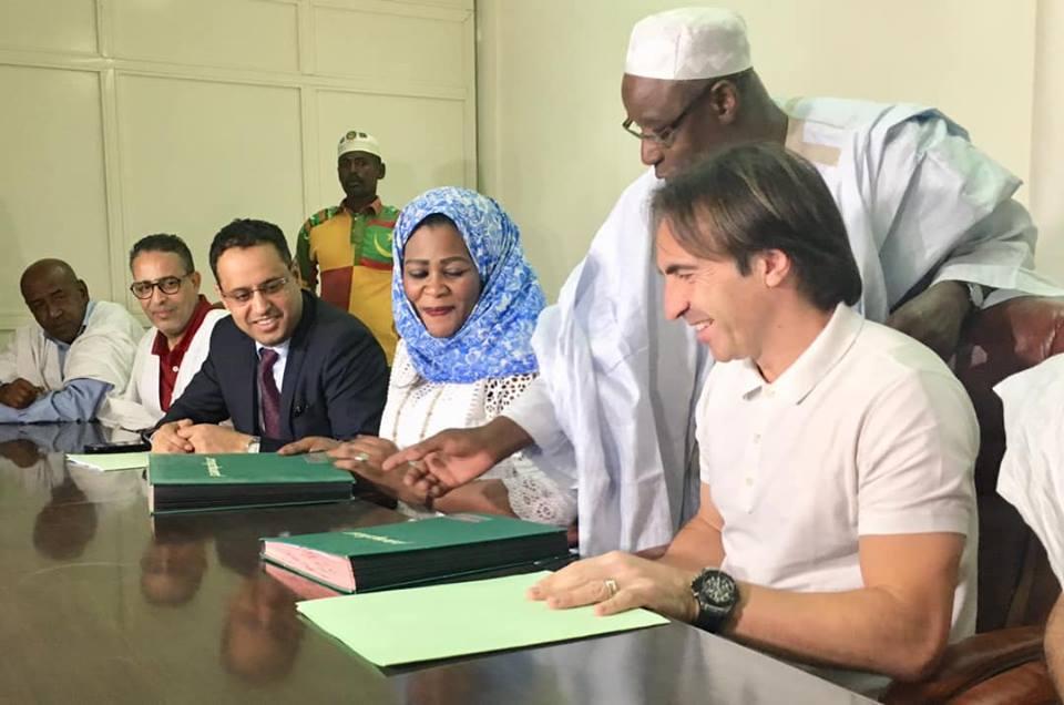 مارتينيس يمدد عقده مع المنتخب الموريتاني